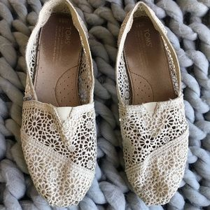 Cream crocheted toms